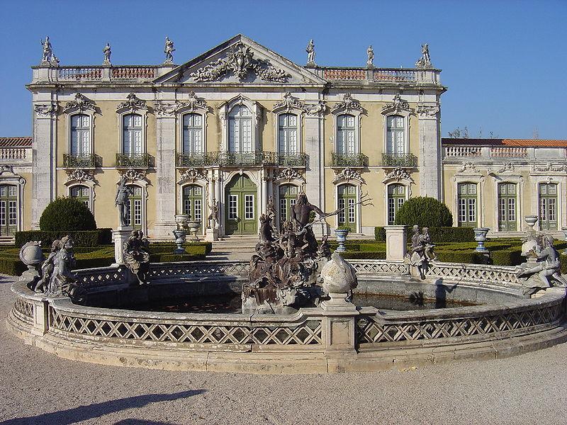 800px-queluz_palace_fa%c3%a7ade_and_triton_fountain